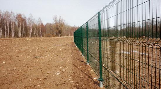 Забор на винтовых опорах